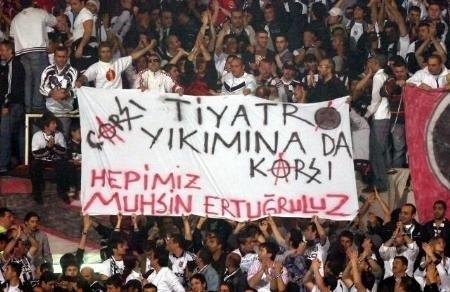 Beşiktaş tribünlerinin futbol dışı pankartları 2 10