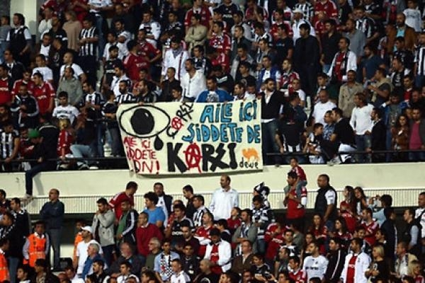 Beşiktaş tribünlerinin futbol dışı pankartları 2 2