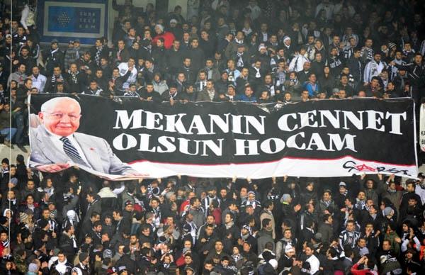 Beşiktaş tribünlerinin futbol dışı pankartları 2 4