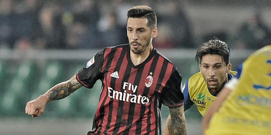 Milan, Sosa'yı bırakmıyor