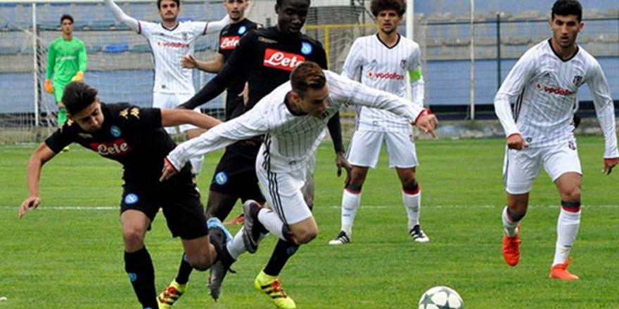 Gençler Napoli'ye yenildi