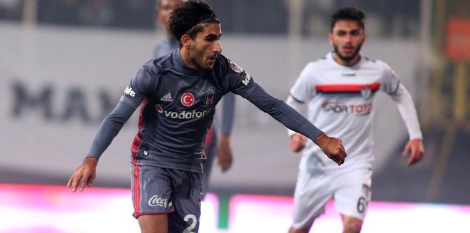 Aras Özbiliz, Beşiktaş'a geri döndü!
