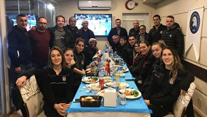 Samsun Beşiktaşlılar Derneği Kadın Basketbol Takımını yemekte ağırladı