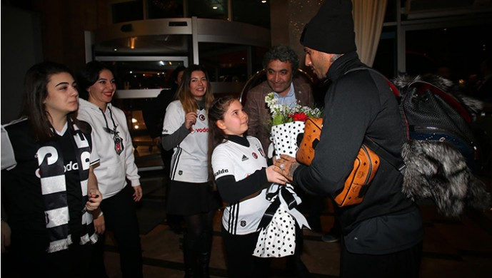 Beşiktaş'a Bursa'da coşkulu karşılama