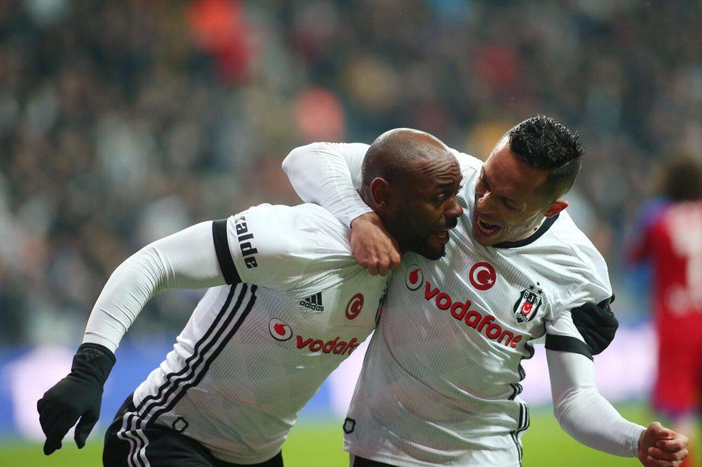 Vagner Love'dan sonra Adriano! Flamengo, Adriano'yu da istedi...