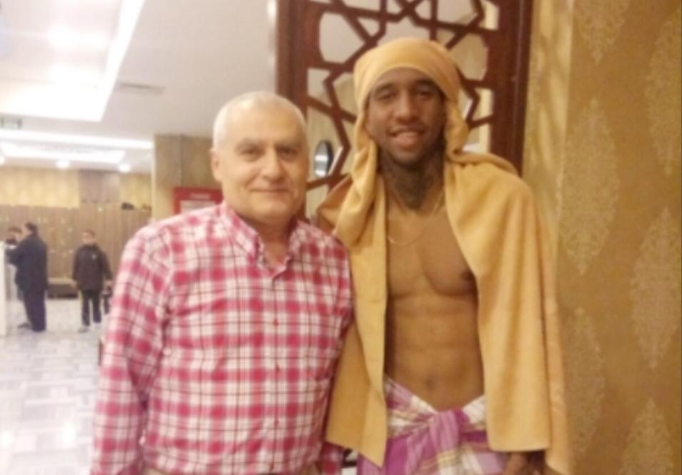 Beşiktaş'ın yıldız futbolcusu Talisca hamama gitti!