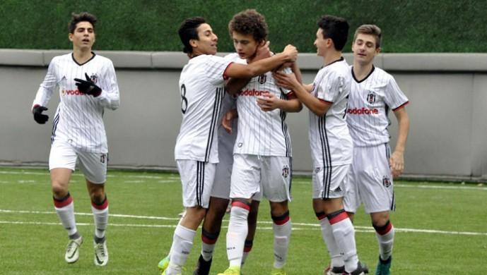 Beşiktaş:3 Pendikspor:3 (U-15)