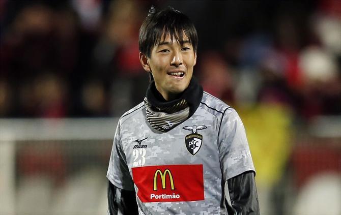 FLAŞ   Beşiktaş, Japon kanat oyuncusu Nakajima'yı izliyor!