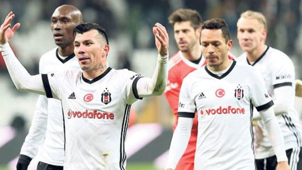 Beşiktaş'ta orta saha değişiyor