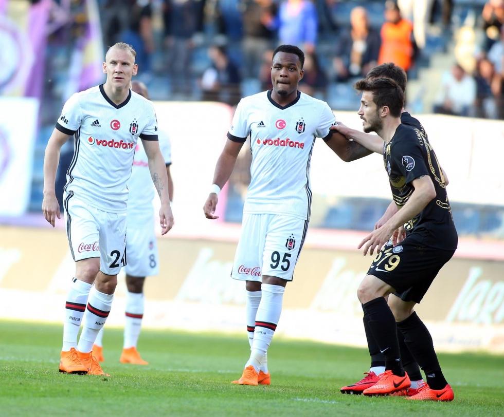 """""""Beşiktaş eksik gelmesine rağmen klas oyuncularıyla..."""""""