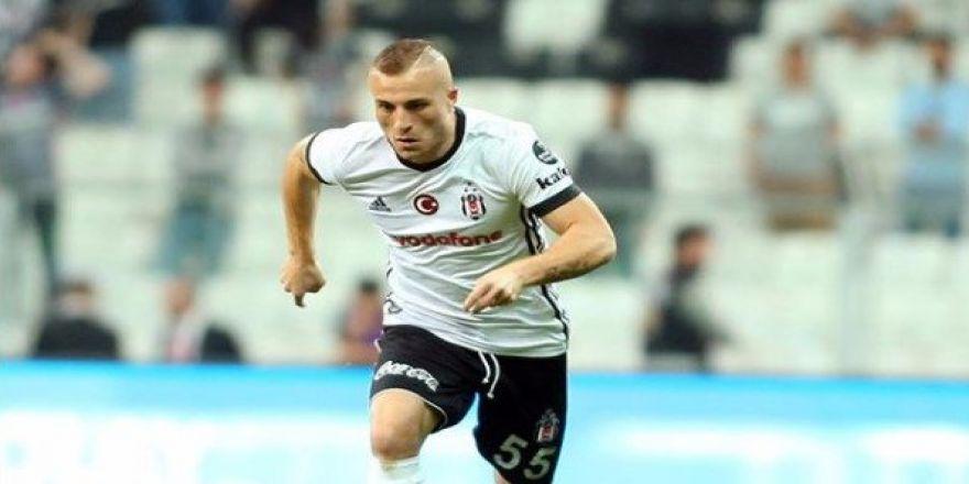 Beşiktaş'ta sezon boyunca 32 oyuncu süre aldı! Peki bu oyuncular kaç dakika oynadılar?