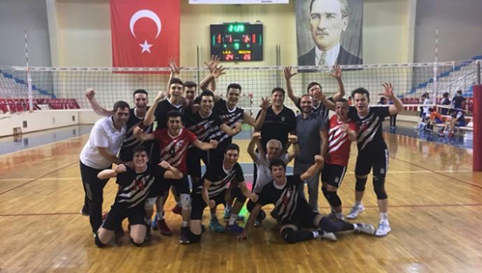 Beşiktaş Genç Erkek Voleybol Takımı Türkiye Şampiyonası'nda finale yükseldi