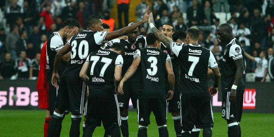 Beşiktaş en yakın rakibi F.Bahçe'ye 13 puan fark attı