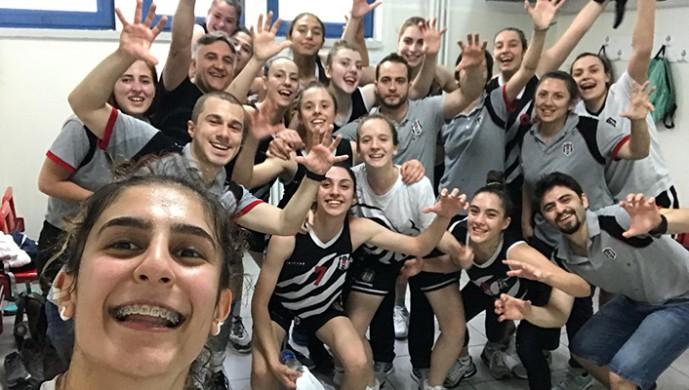 Beşiktaş U-18 Kız Basketbol Takımı finale yükseldi!