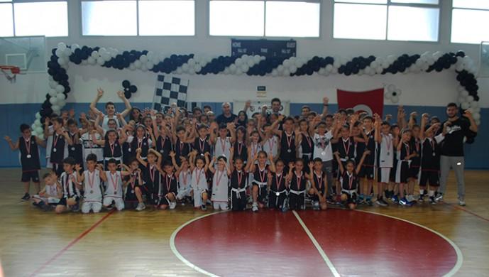 Afyonkarahisar Beşiktaş Basketbol Okulu kış kapanış töreni yapıldı