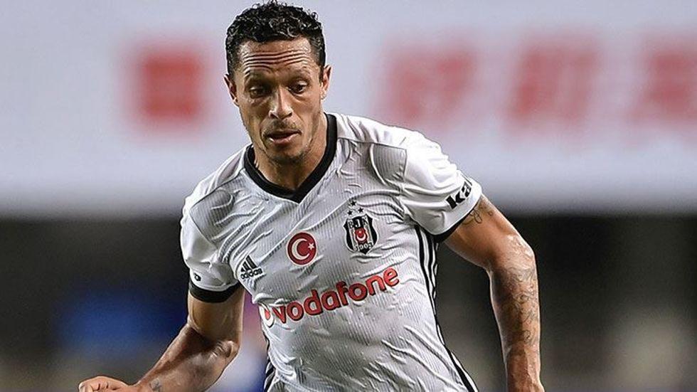 Beşiktaşlı Adriano'ya sürpriz talip!