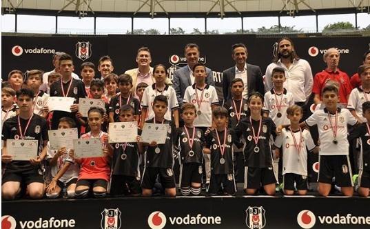 """Fikret Orman: """"Seçilen seçilemeyen tüm çocuklarımız artık Beşiktaş Ailesi'nin bir parçası..."""""""