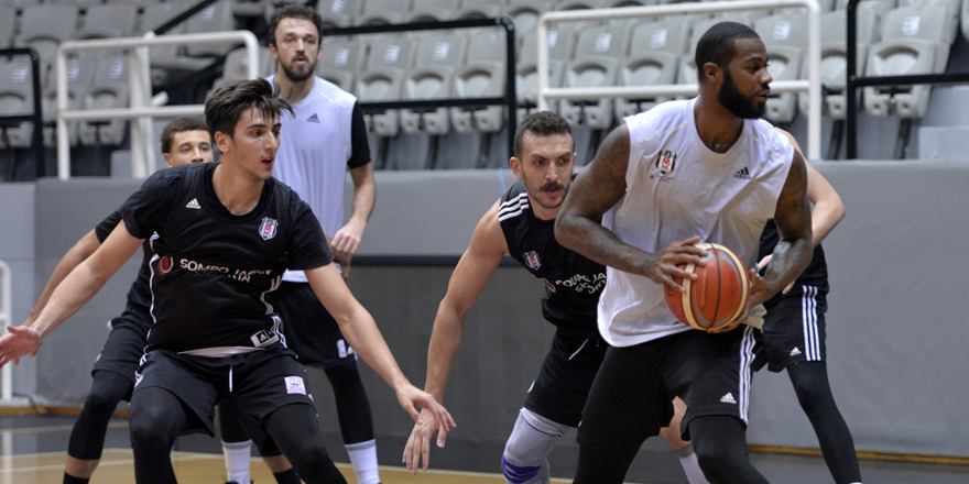 Beşiktaş bir eksikle çalıştı