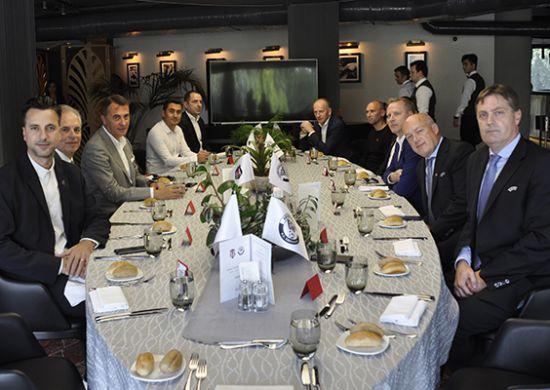 Beşiktaş'tan UEFA ve B36 Torshavn heyetlerine dostluk yemeği