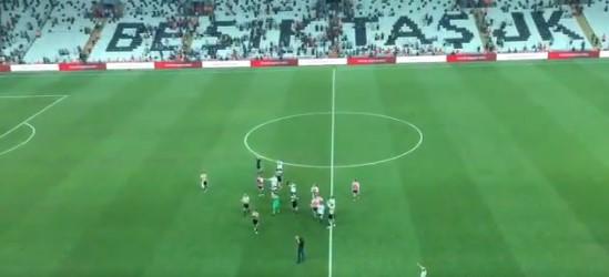 Torshavnlı oyuncu Beşiktaş taraftarına üçlü çektirdi