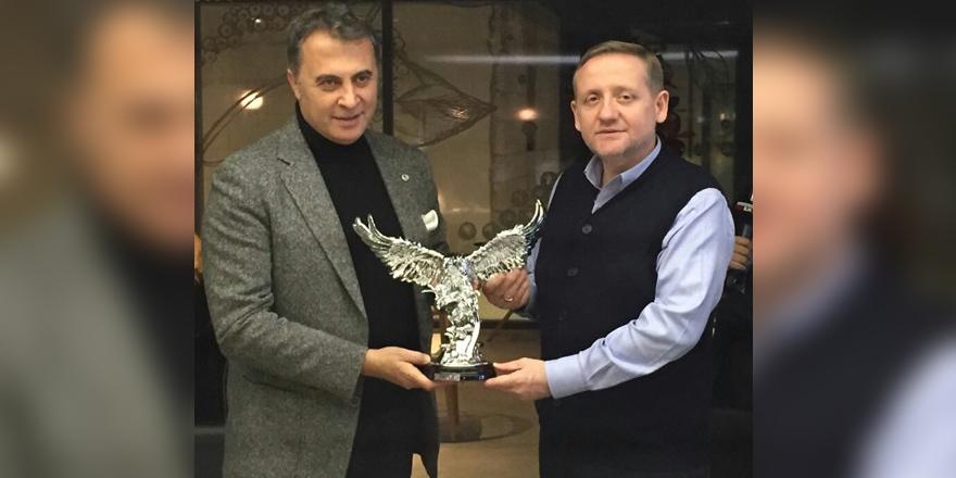 Beşiktaş'tan Başakşehir'e kartal hediyesi