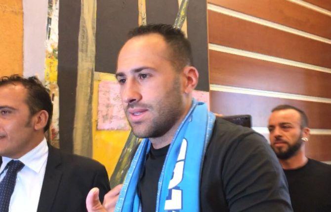 Ospina resmen Napoli'de