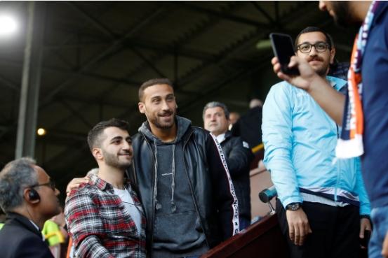 Cenk Tosun, Burnley - Başakşehir maçında!
