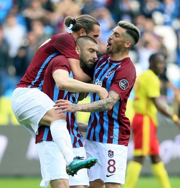 Beşiktaş Jose Sosa ve Burak Yılmaz transferini bitirmeye yakın iddiası