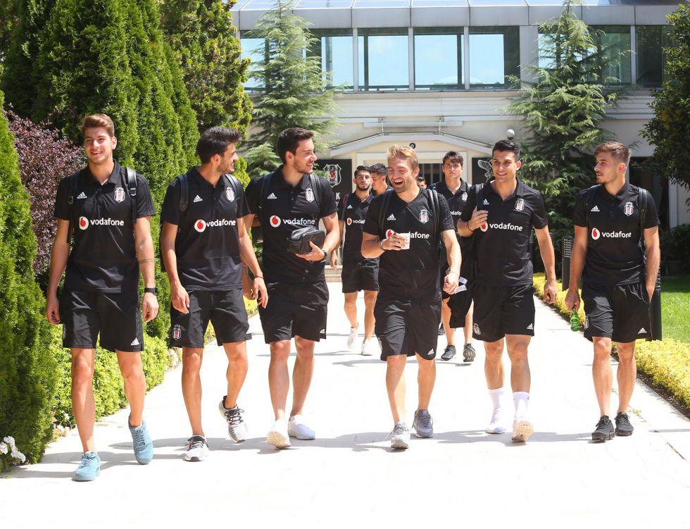 Beşiktaş kafilesi Sırbistan'da!