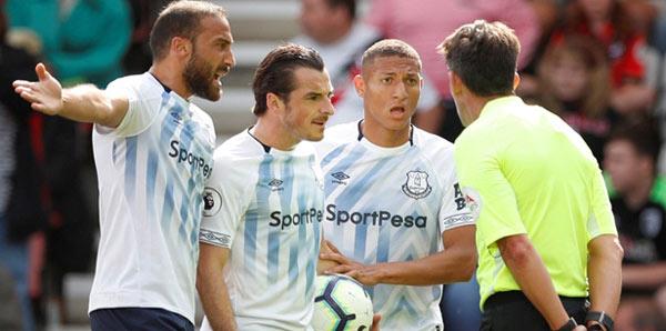 Cenk Tosun'lu Everton avantajını koruyamadı