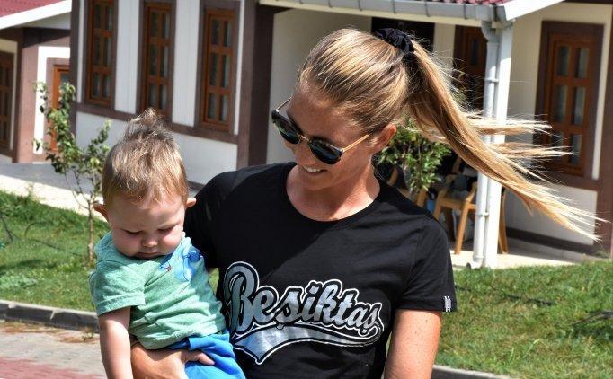 Beşiktaş'ın ABD asıllı kadın futbolcusunun hedefi ay-yıldızlı forma