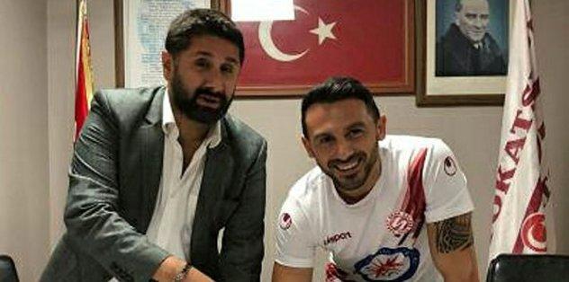 Ahmet Dursun, futbola geri döndü!