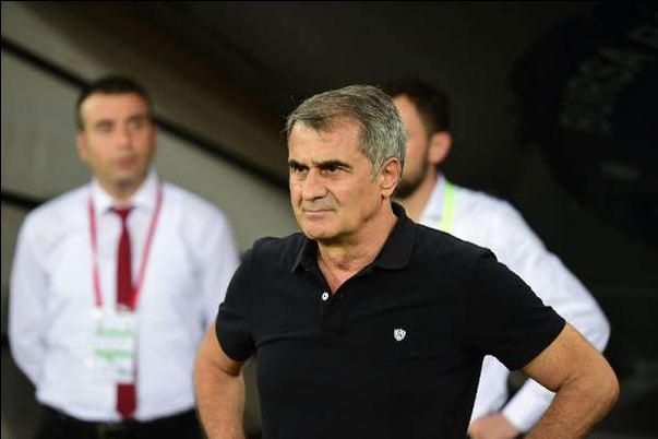 Beşiktaş'tan sürpriz hamle! Görüşmeler başladı...