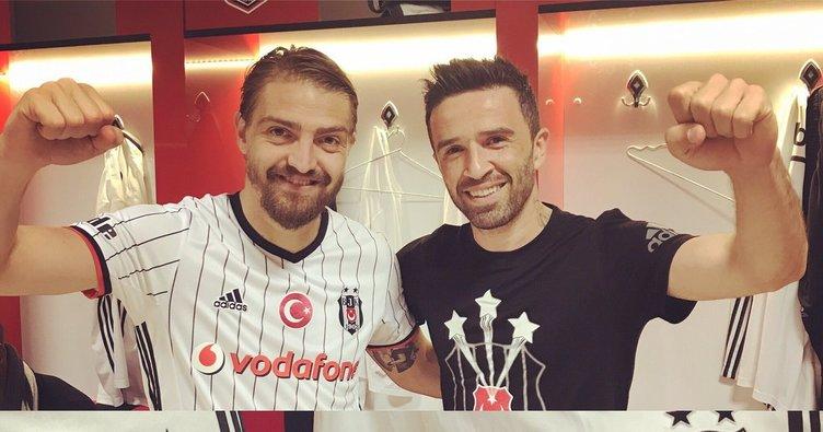 """Ali Koç: """"Türkiye'nin en iyi sağ beki ve sol bekini elimizle karşı takıma verdik"""""""