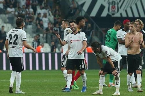 """Tolgay Arslan: """"Muhteşem desteğiniz için teşekkürler Beşiktaş ailesi!"""""""