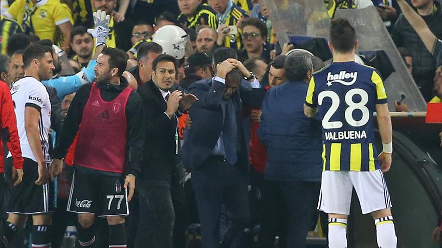 """F.Bahçe Yöneticisi Semih Özsoy: """"Tolga'nın, Şenol Hoca'nın yaptıkları doğru değildi."""""""