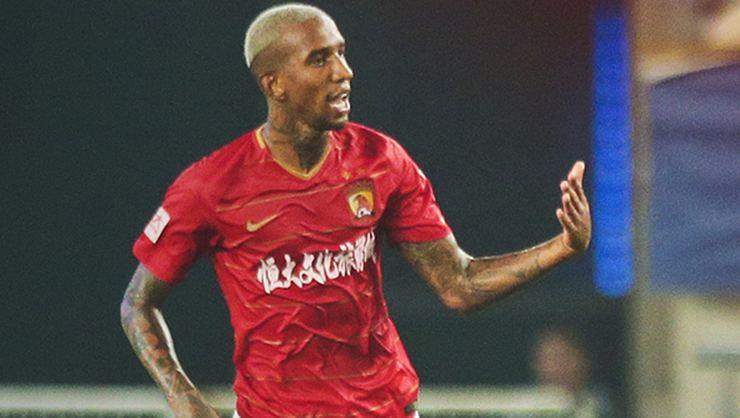Eski Beşiktaşlı Anderson Talisca takımını ipten aldı!