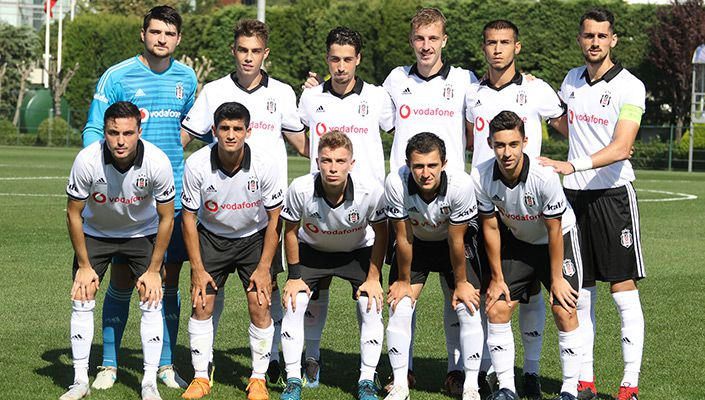 Beşiktaş U21 takımına Konya'da saldırı! (VİDEO)