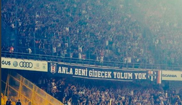 Beşiktaşlı taraftarlar takımı tribüne çağırdı