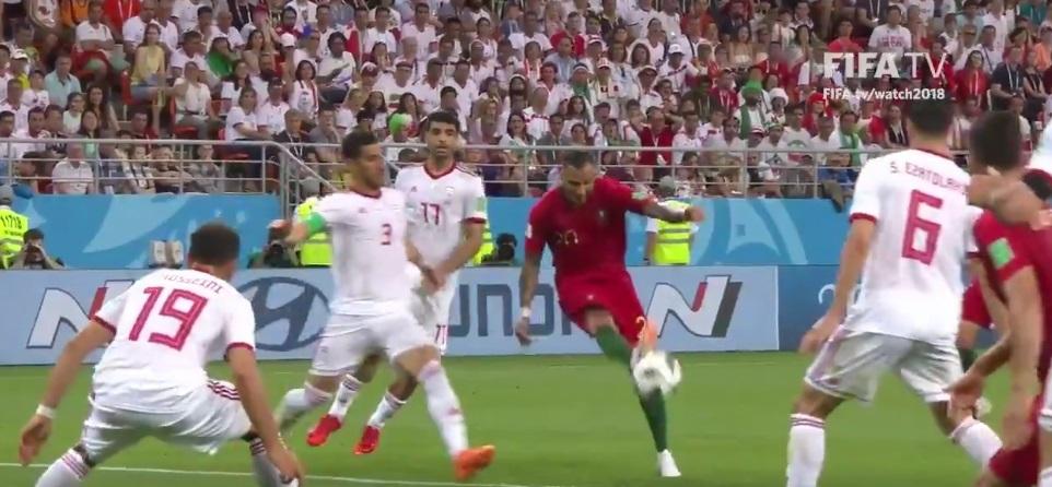 FIFA'dan Quaresma'ya kutlama