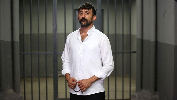 """Çukur'un """"Cumali""""sini Beşiktaş'ın doktoru Sarper Çetinkaya ameliyat etti!"""