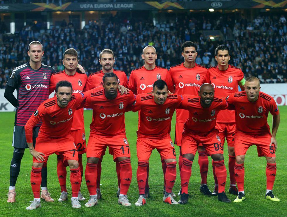Beşiktaş deplasmanda 2 golle mağlup oldu!