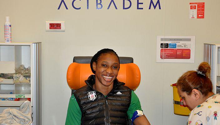 Evelyn Akhator sağlık kontrolünden geçti
