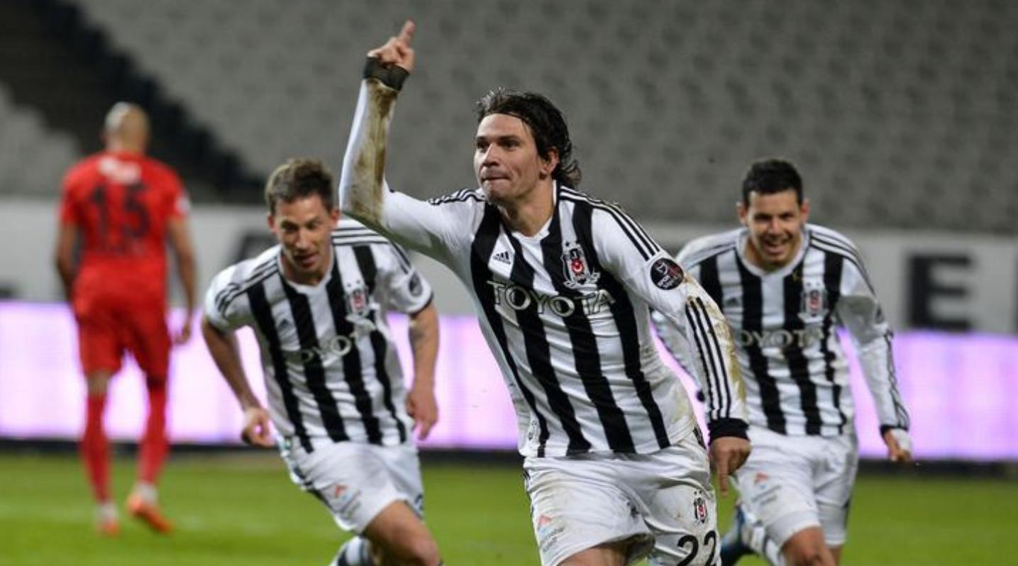 """Ersan Gülüm: """"Beşiktaş geliyor bekle..."""""""