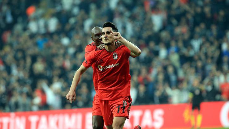 Mustafa Pektemek'in sözleşmesi yenileniyor