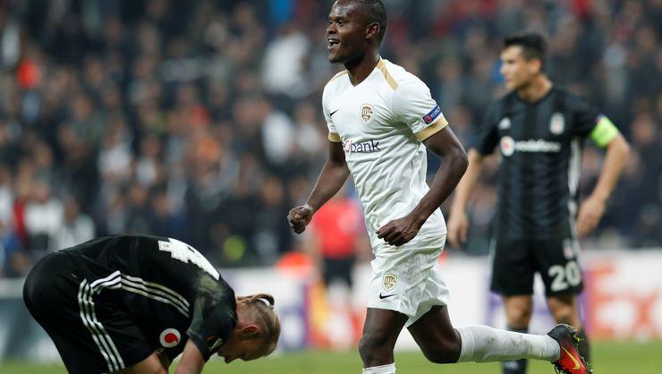 Beşiktaş'tan Samatta'ya özel önlem