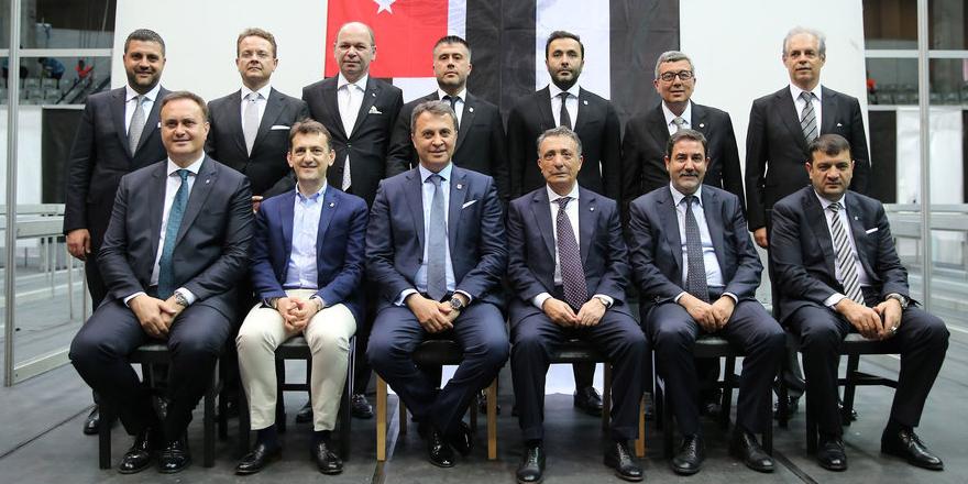 Beşiktaş'ta yönetim futbolcularla buluştu