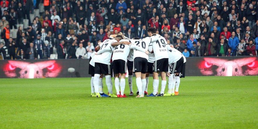 Beşiktaş Vodafone Park'ta artık zorlanıyor