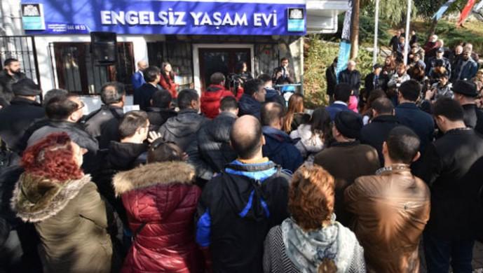 Beşiktaş engellilerin yanında