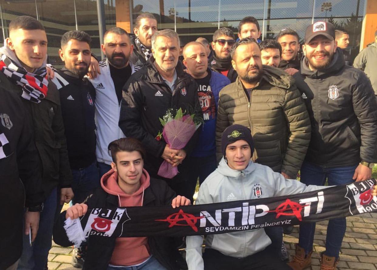 Beşiktaş taraftarından sürpriz ziyaret!